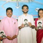 Aditya Thackeray, Maharashtra Cabinet Minister releases Marathi translation of top Mumbai coiffeur's memoir